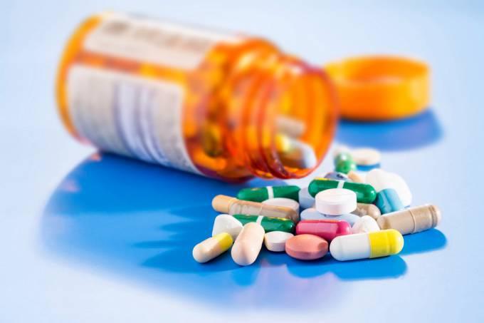 Uso indiscriminado dos antibióticos e seus riscos